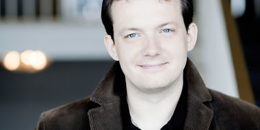 andris nelsons conducts bruckner.