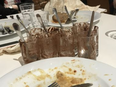 How many chocolate mousses can we eat in one meal?