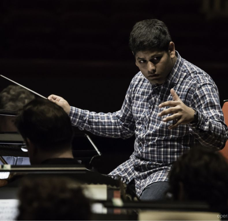 Alpesh Chauhan conducts the CBSO.