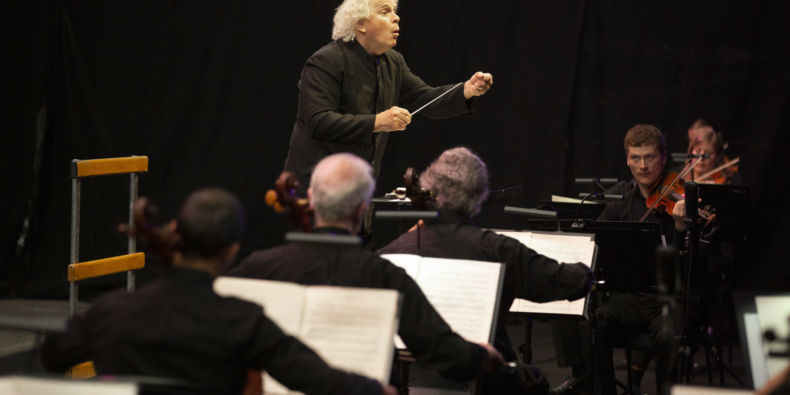 Sir Simon Rattle and the CBSO. Credit: Andrew Fox.